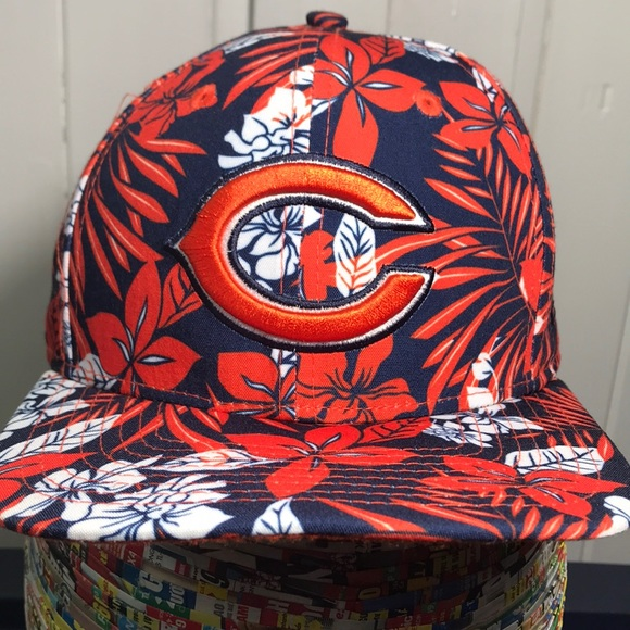 separation shoes 7ae47 e7539 Chicago Bears New Era Hawaiian Print SnapBack Cap.  M 5b9ac2e3a31c33f103c6f653